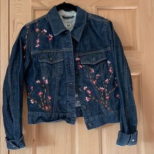 GAP embroidered jean jacket!